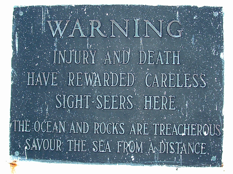 20091101 Peggy's Cove Warning